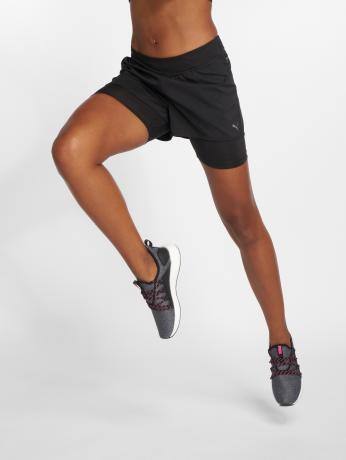 puma-frauen-shorts-ignite-2n1-in-schwarz