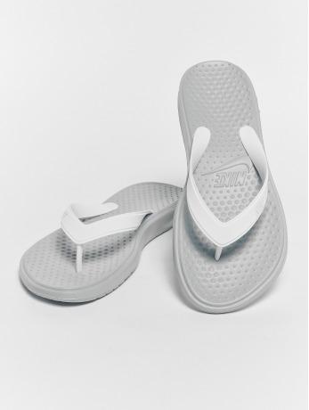 nike-frauen-sandalen-solay-thong-in-grau