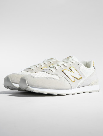 new-balance-frauen-sneaker-wr996-in-beige