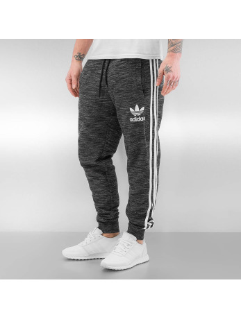 NU 15% KORTING: ADIDAS ORIGINALS joggingbroek »CLFN FT PANTS«