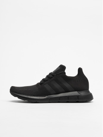 adidas-originals-manner-sneaker-swift-run-in-schwarz