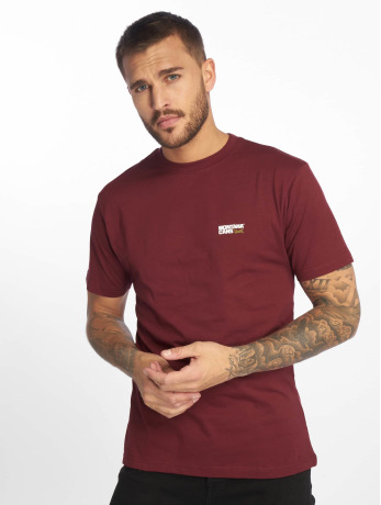 montana-manner-t-shirt-clothing-typo-logo-small-in-rot