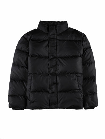 carhartt-wip-manner-puffer-jacket-deming-in-schwarz