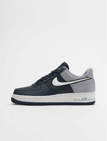 nike-manner-sneaker-air-force-1-07-lv8-1-in-blau