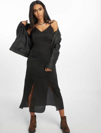 glamorous-frauen-kleid-ladies-in-schwarz