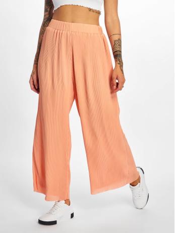 glamorous-frauen-chino-plissee-in-orange