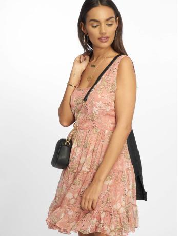 glamorous-frauen-kleid-flowers-in-rosa