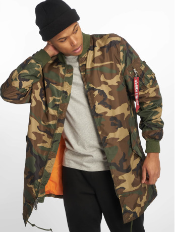 alpha-industries-manner-mantel-ma-1-in-camouflage