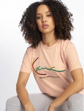 karl-kani-frauen-t-shirt-signature-basic-in-rosa