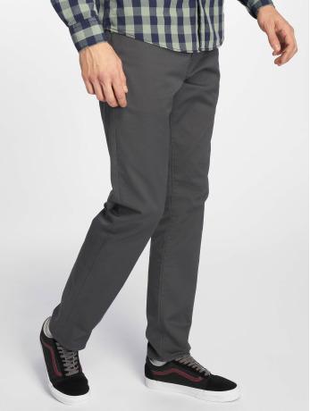 carhartt-wip-manner-straight-fit-jeans-klondike-in-grau