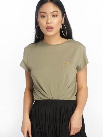 na-kd-frauen-t-shirt-babe-basic-in-olive