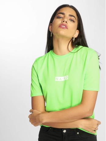 na-kd-frauen-t-shirt-neon-logo-in-grun