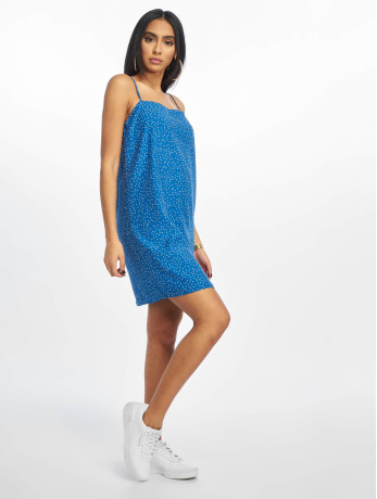 glamorous-frauen-kleid-pin-spot-in-blau