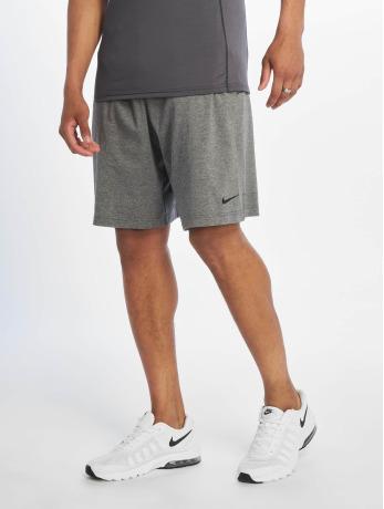 nike-performance-manner-sport-shorts-dri-fit-cotton-in-grau