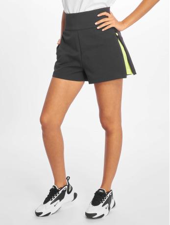nike-frauen-shorts-tch-pck-woven-in-grau
