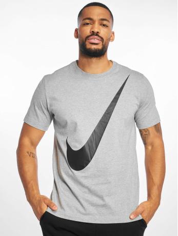 nike-manner-t-shirt-swoosh-1-t-shirt-dk-in-grau
