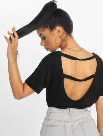 na-kd-frauen-t-shirt-open-back-in-schwarz