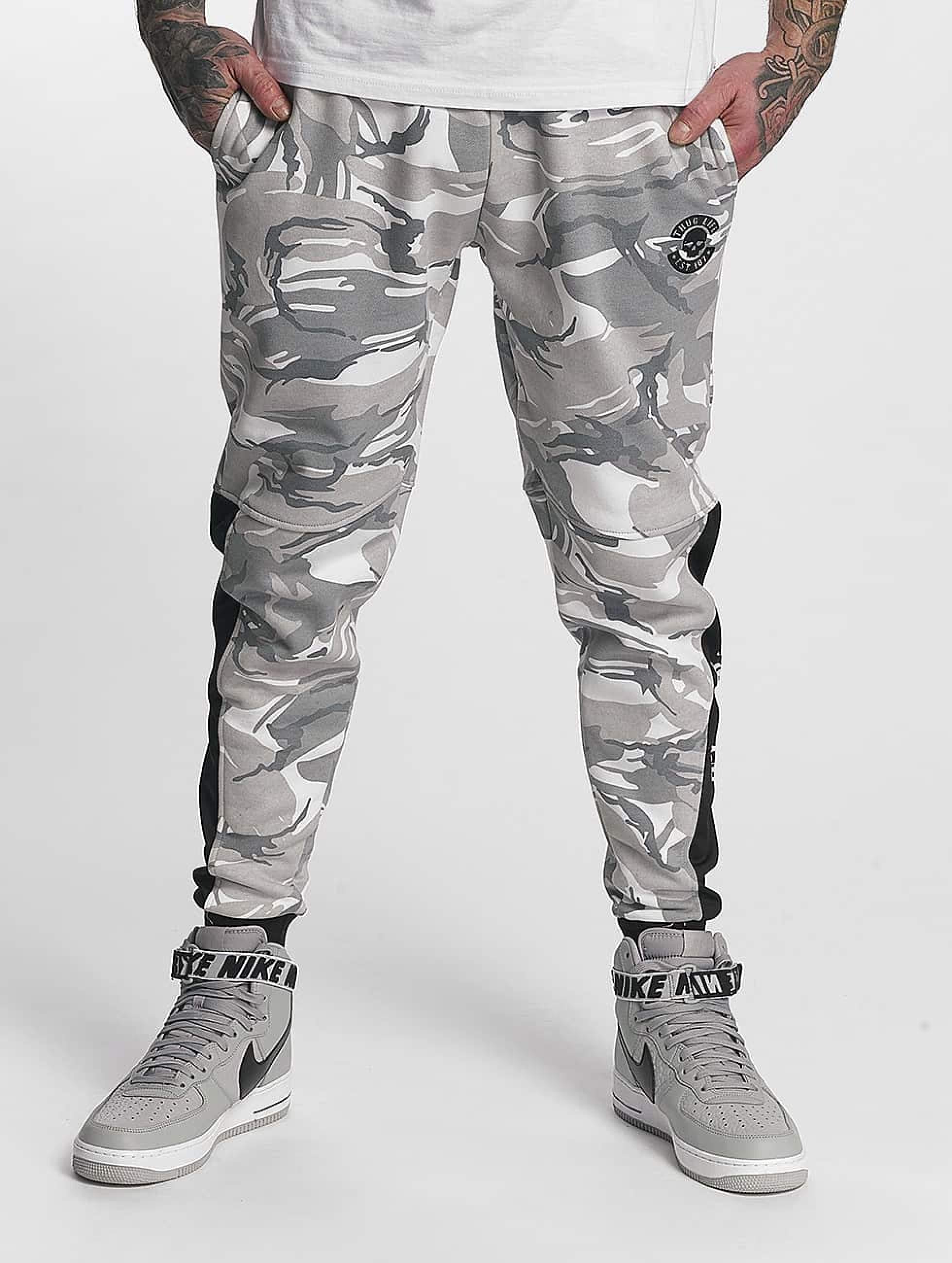 Thug Life / Sweat Pant Kurgan in camouflage XL
