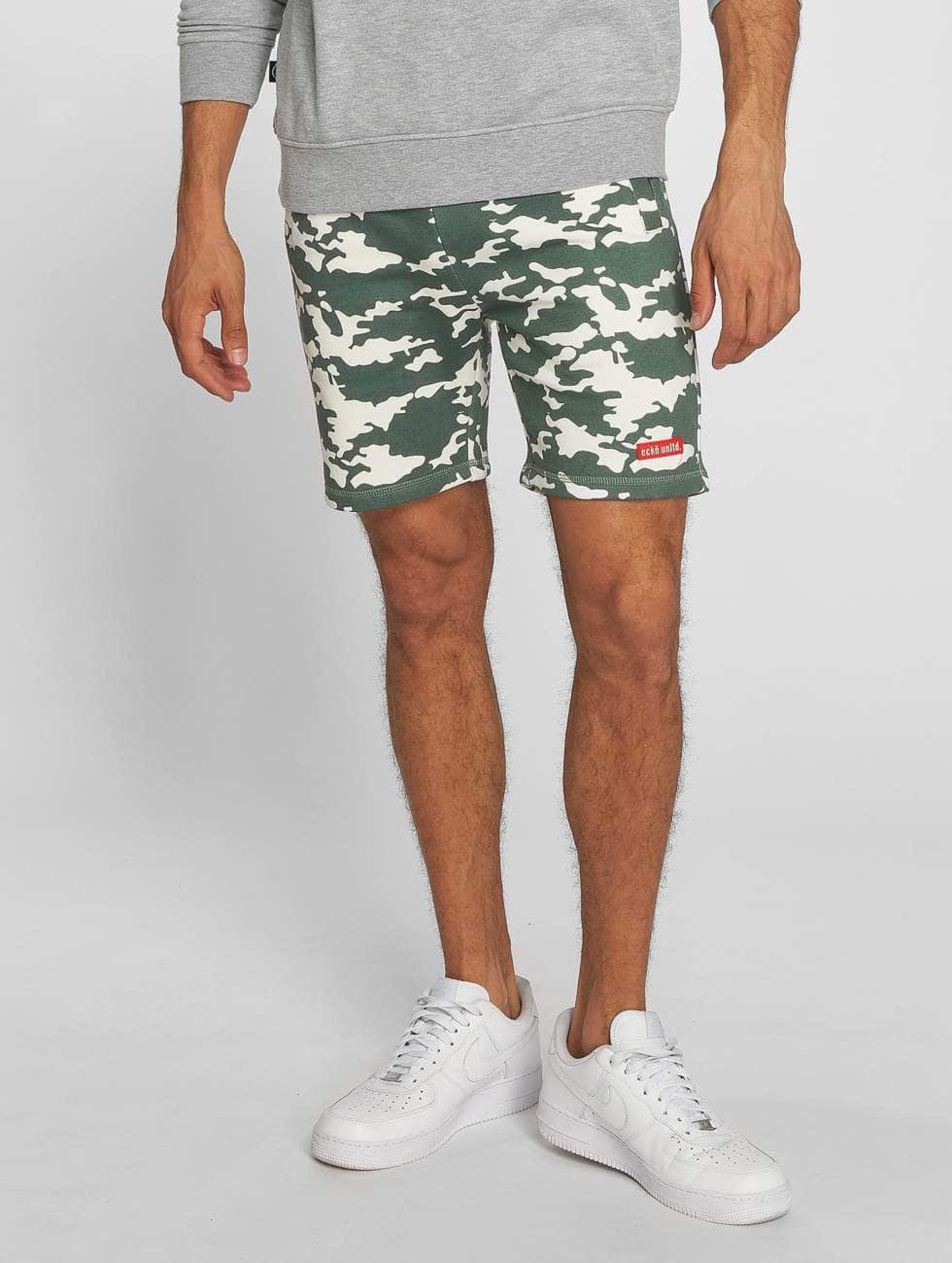 Ecko Unltd. / Short BananaBeach in camouflage 5XL