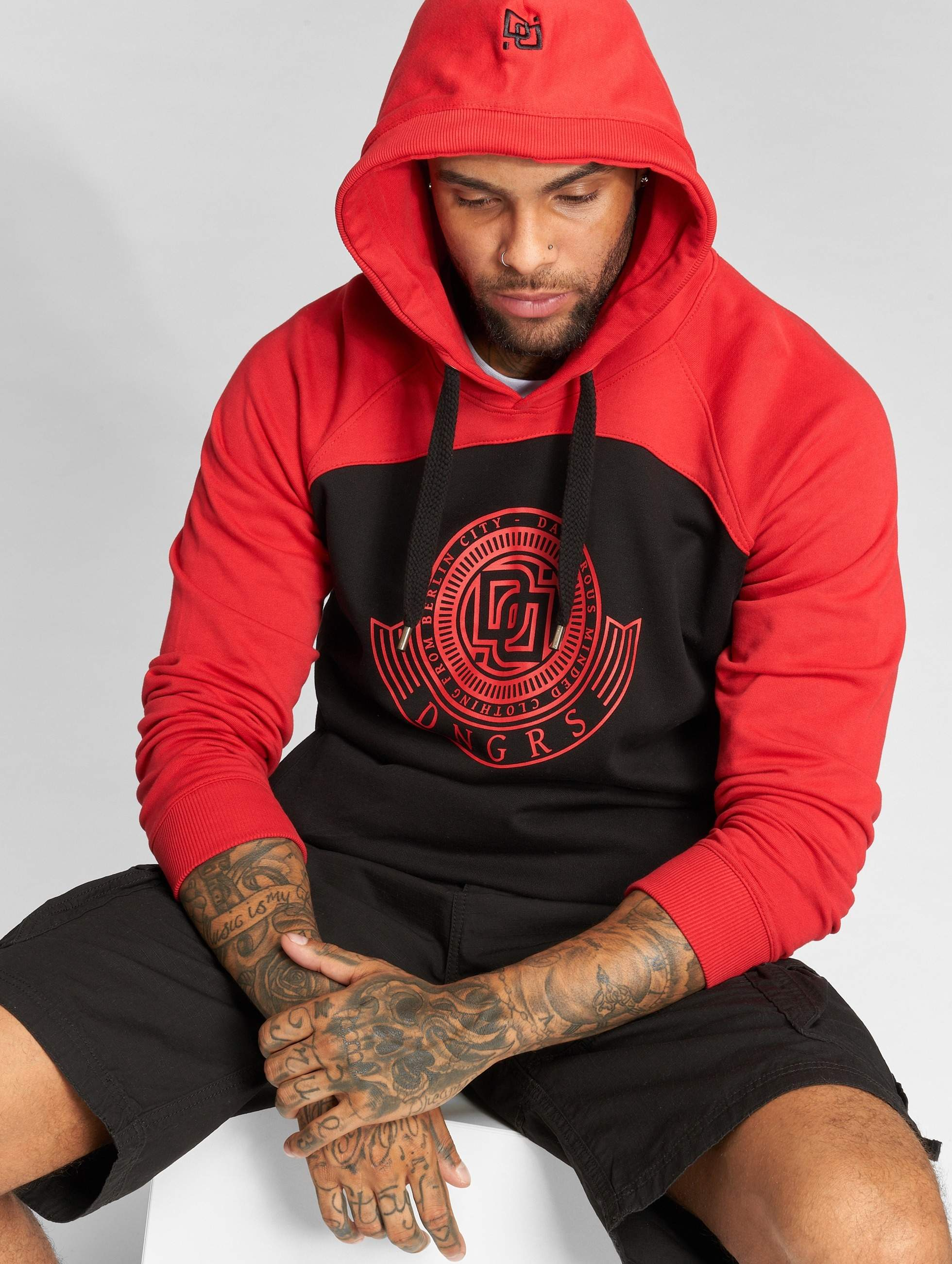 Dangerous DNGRS / Hoodie Signed in black L