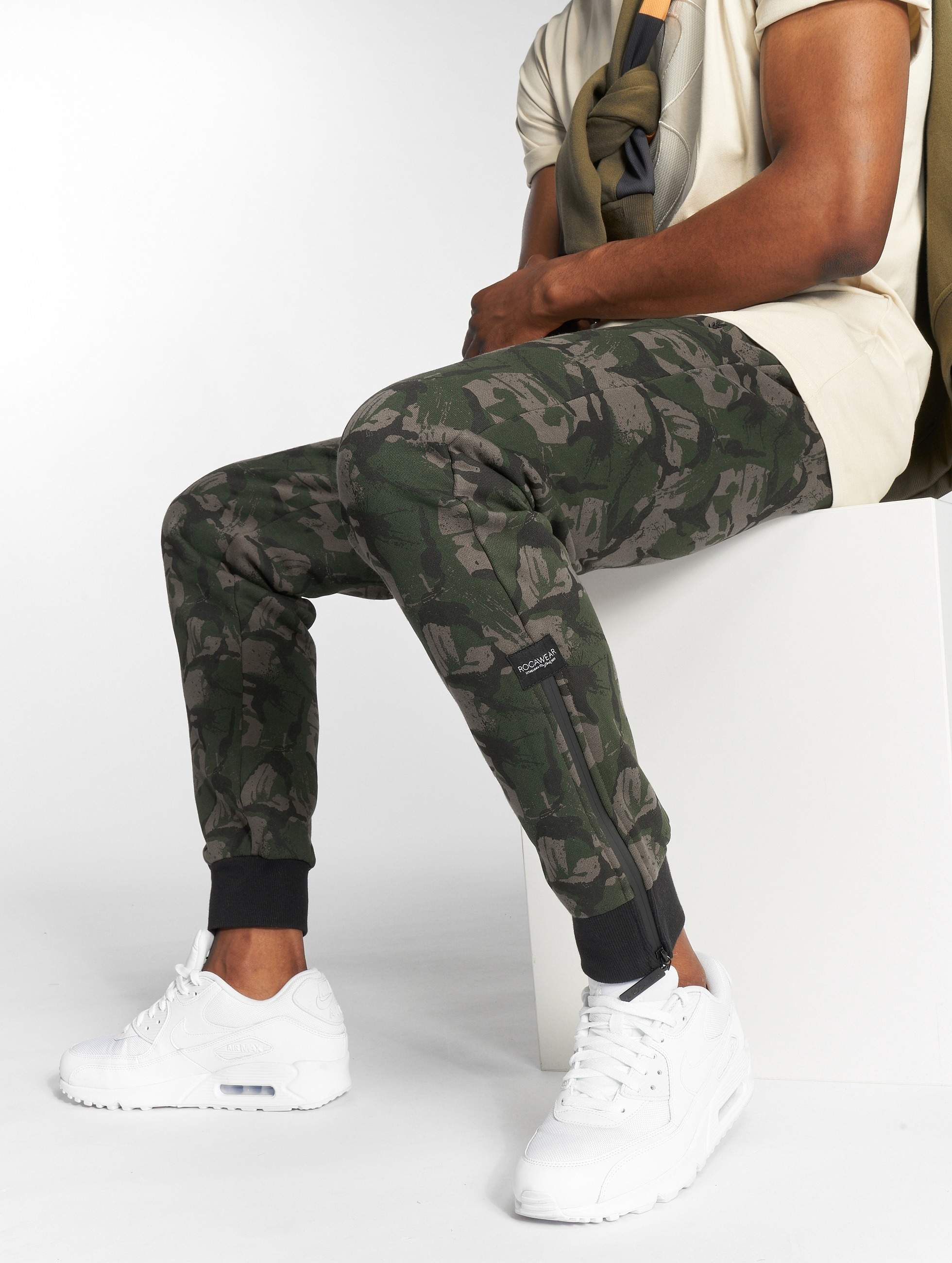 Rocawear / Sweat Pant Camou Fleece in camouflage S