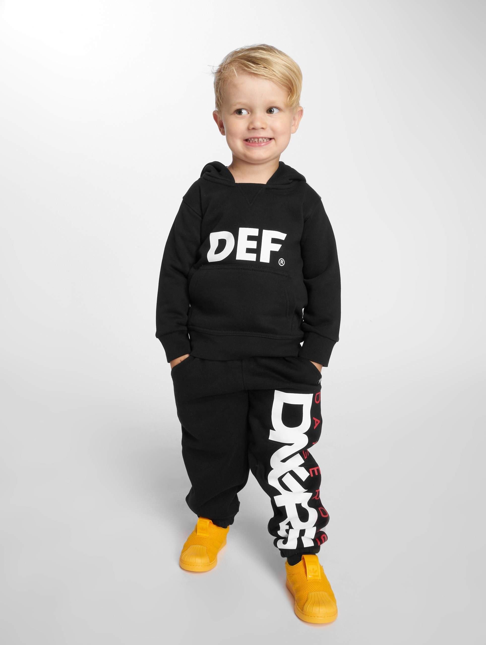 Dangerous DNGRS / Sweat Pant Classic Junior in black 110