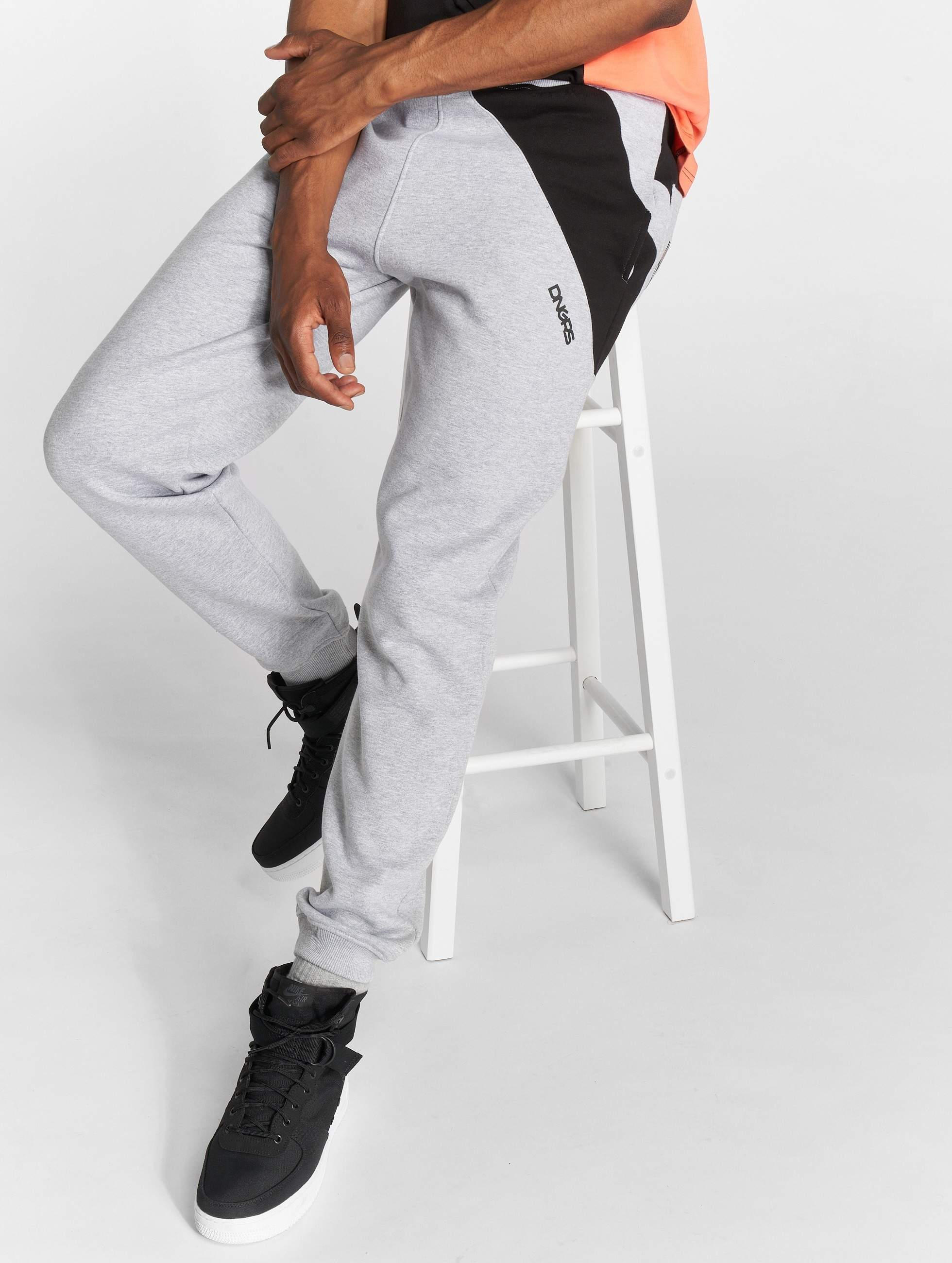 Dangerous DNGRS / Sweat Pant Skew in grey 4XL