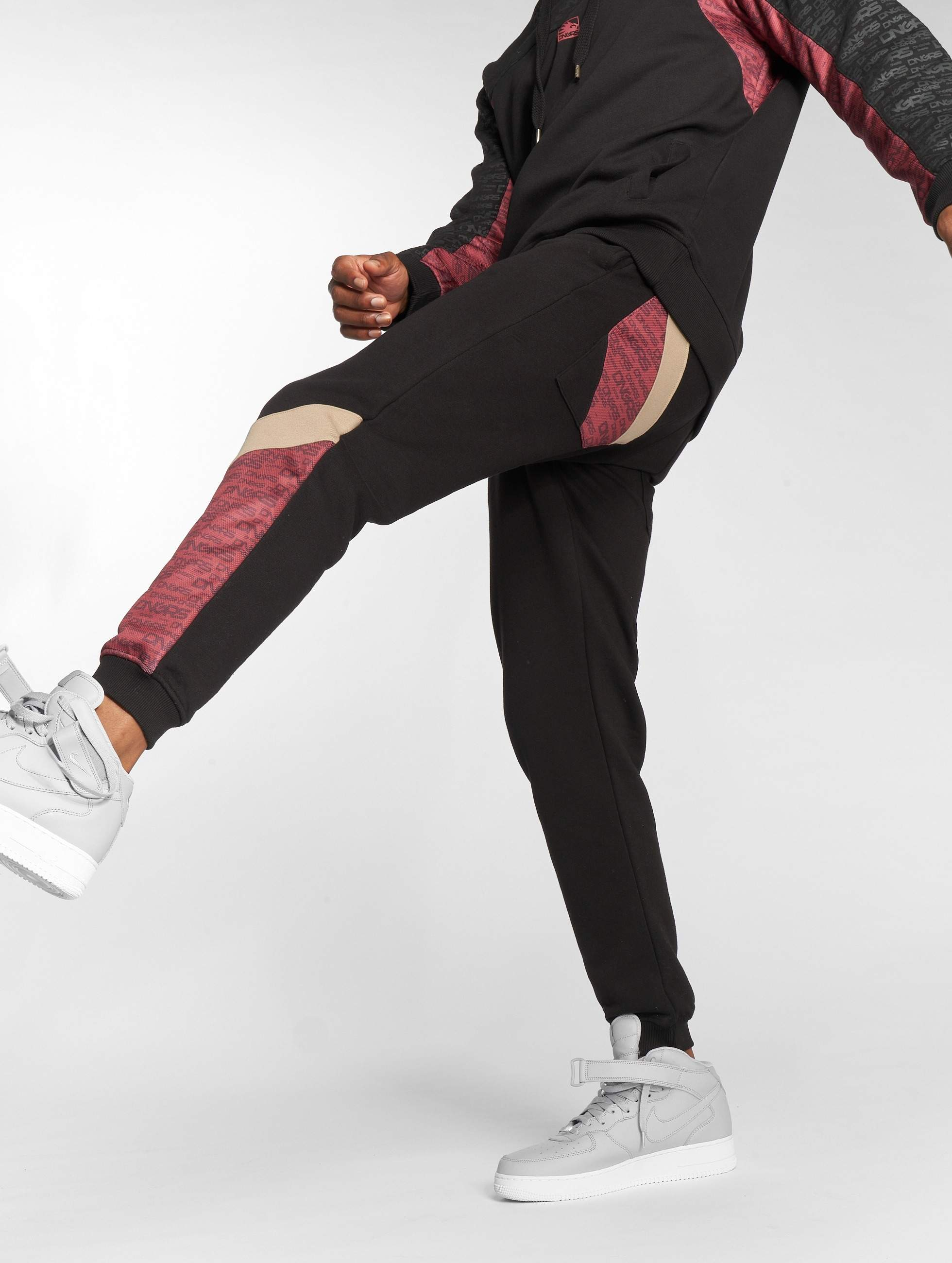 Dangerous DNGRS / Sweat Pant Vela in black L