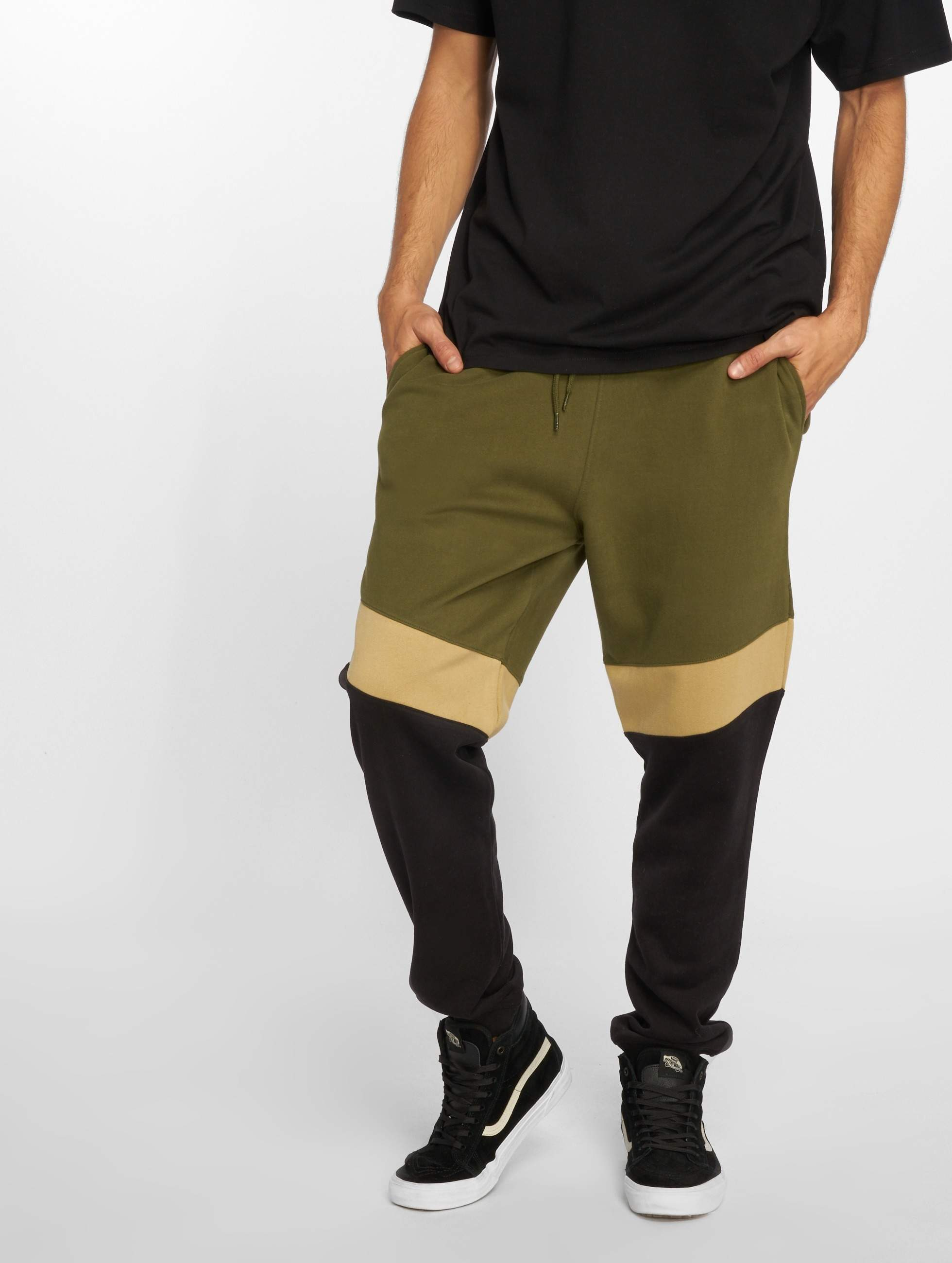 Just Rhyse / Sweat Pant Quillacollo in olive XL