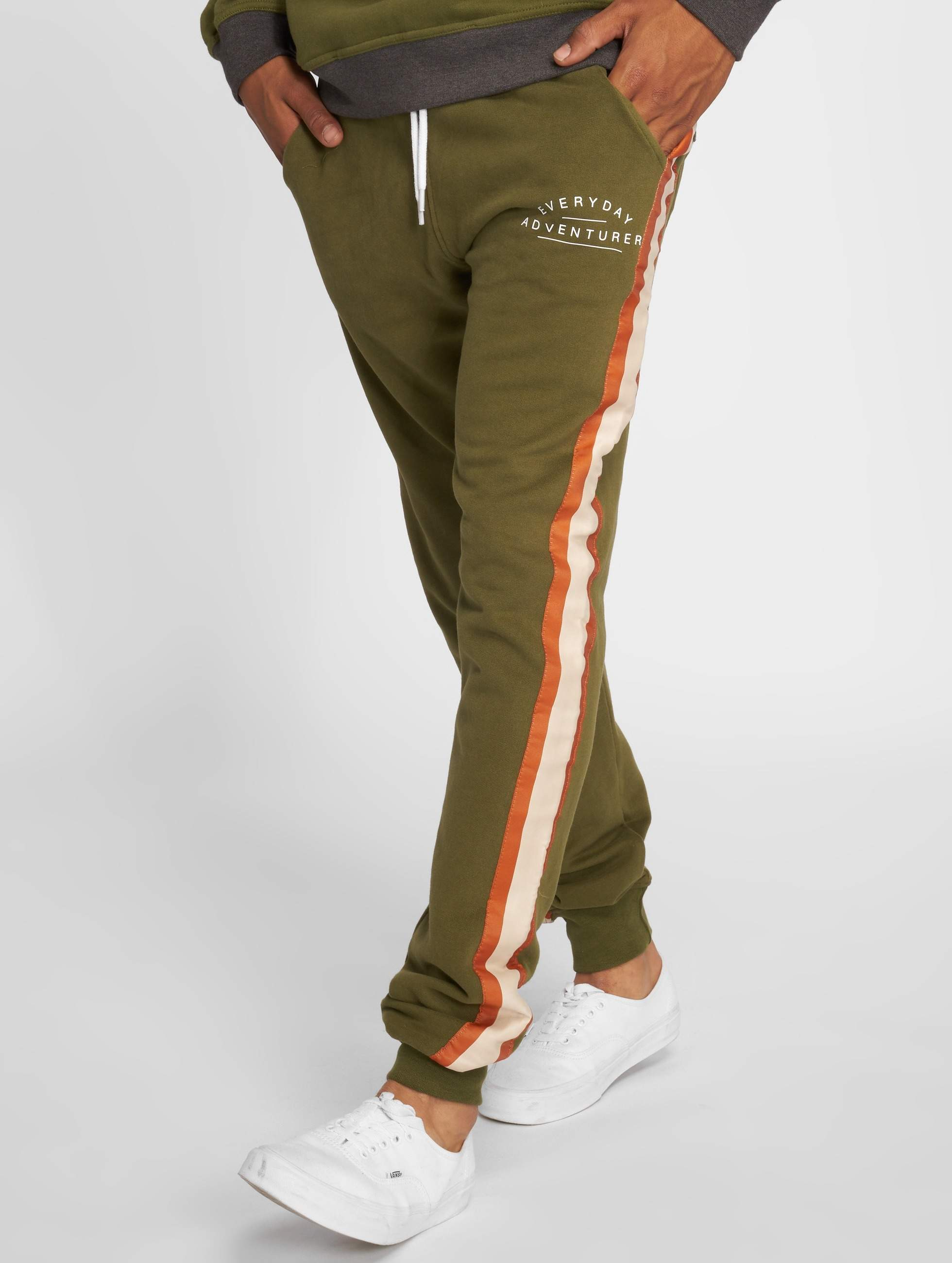 Just Rhyse / Sweat Pant Viacha in olive XL