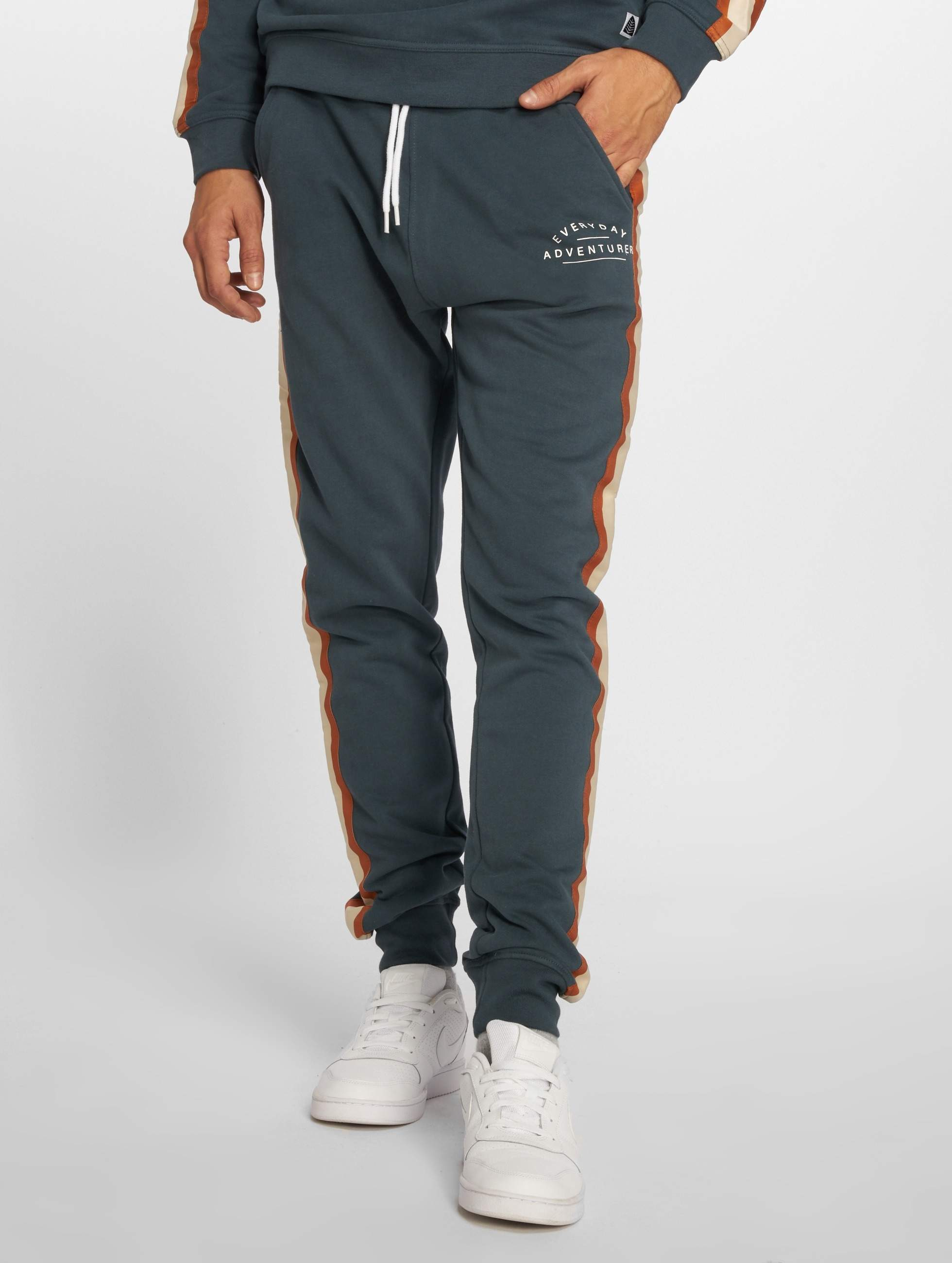 Just Rhyse / Sweat Pant Viacha in blue XL