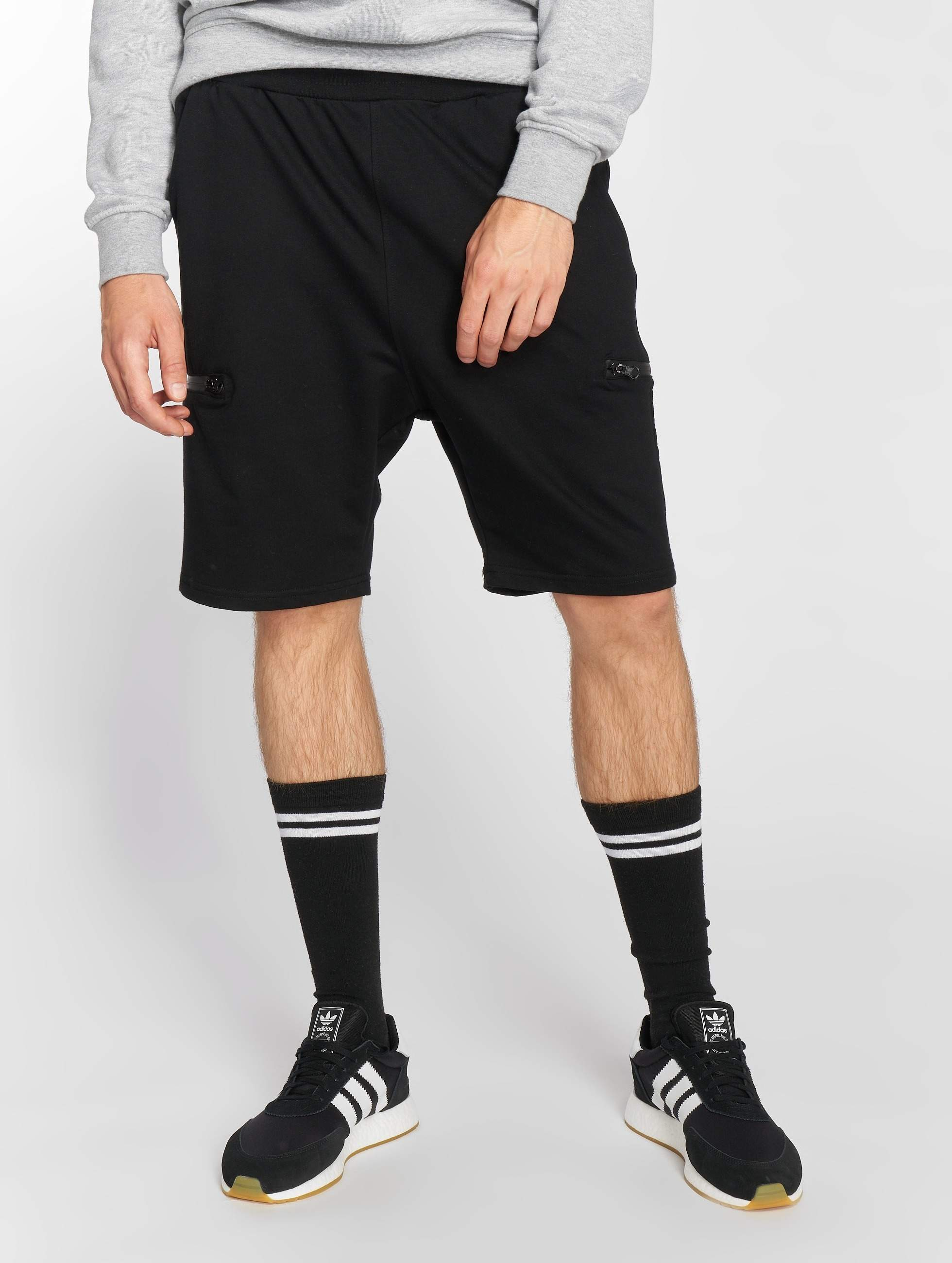 Bangastic / Short Zip in black M