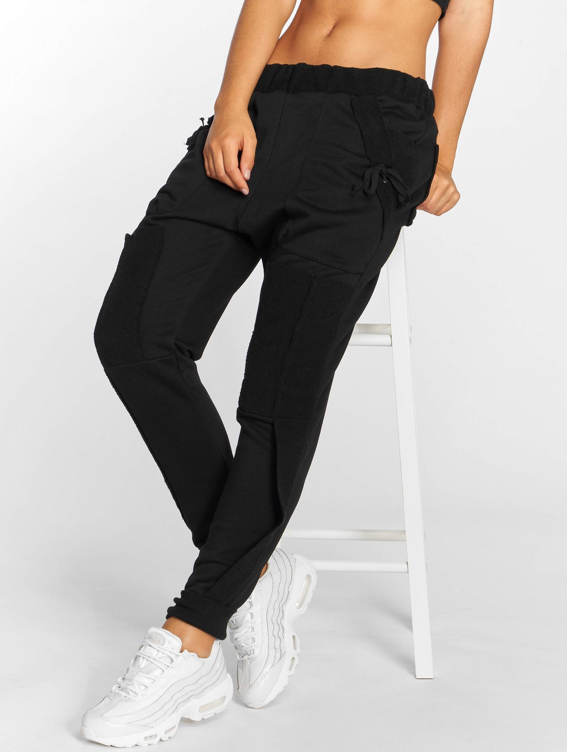 Bangastic / Sweat Pant Chin in black XL