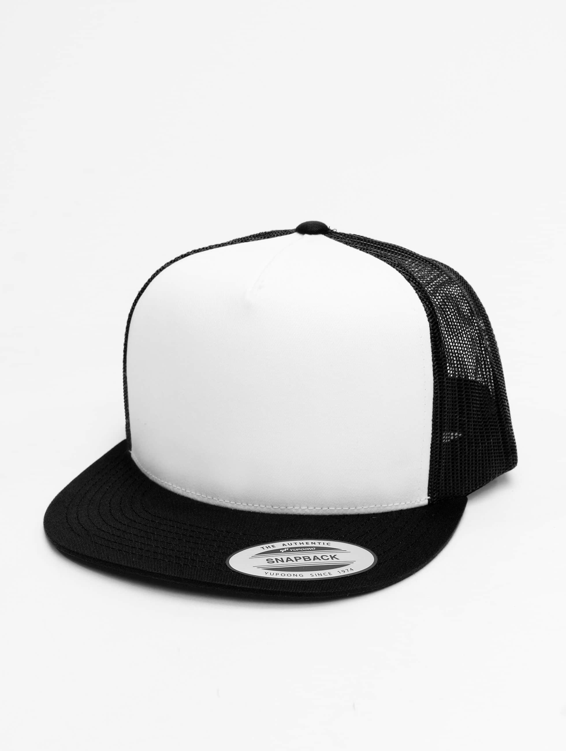 Flexfit / Trucker Cap Classic in black
