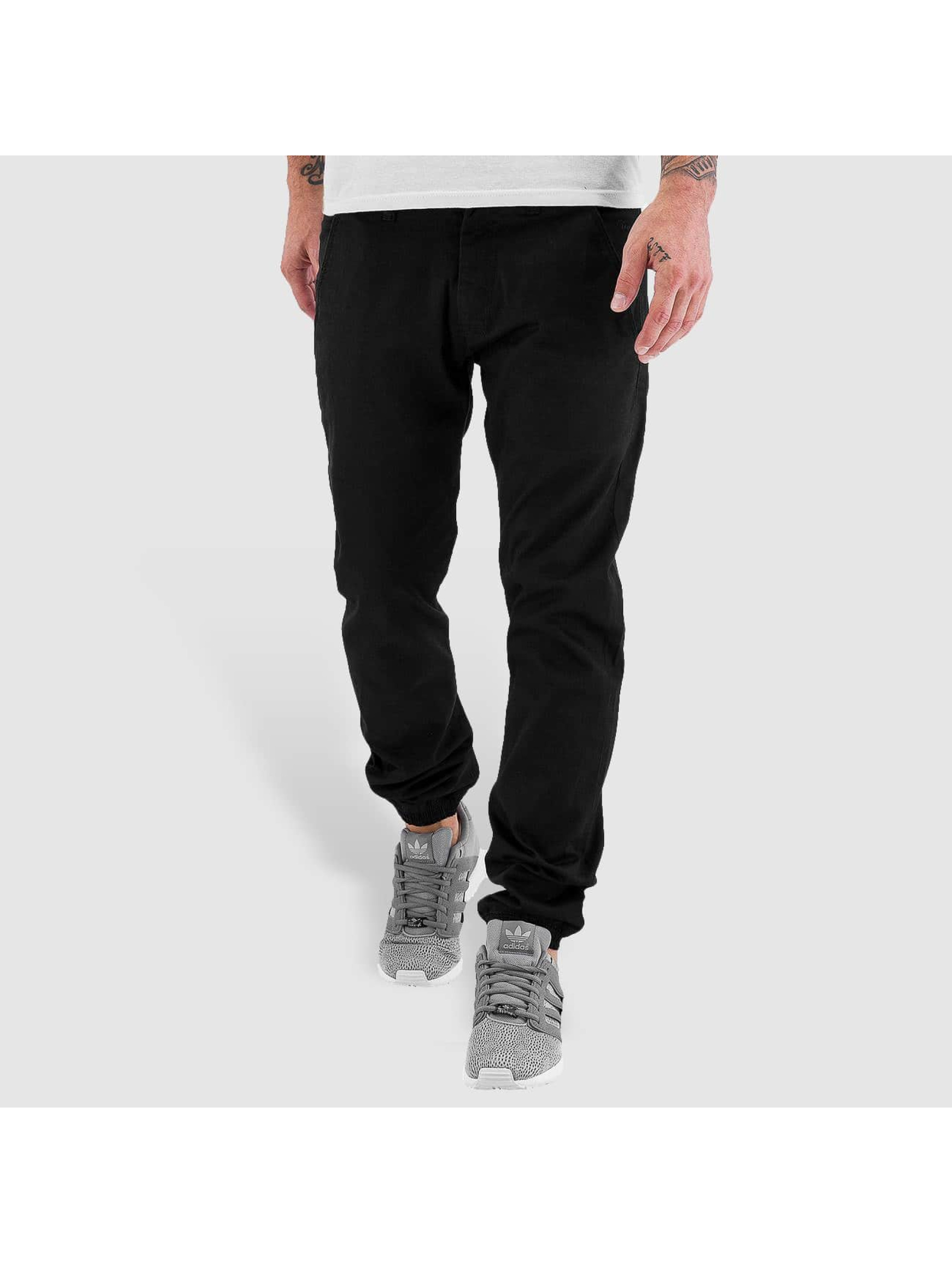Reell Jeans Männer Chino Jogger in schwarz
