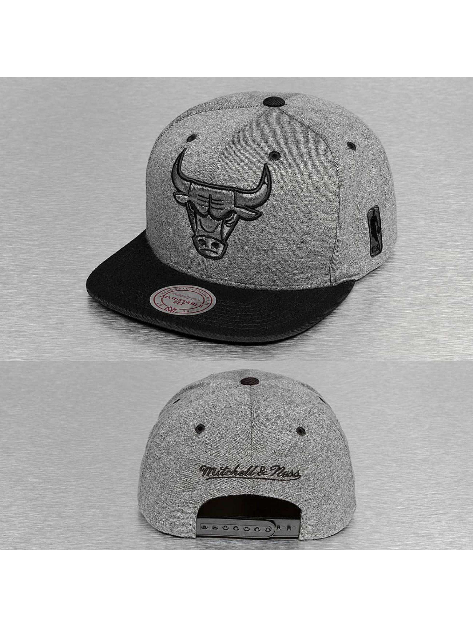 Mitchell & Ness Männer,Frauen Snapback Cap Broad Chicago Bulls in grau