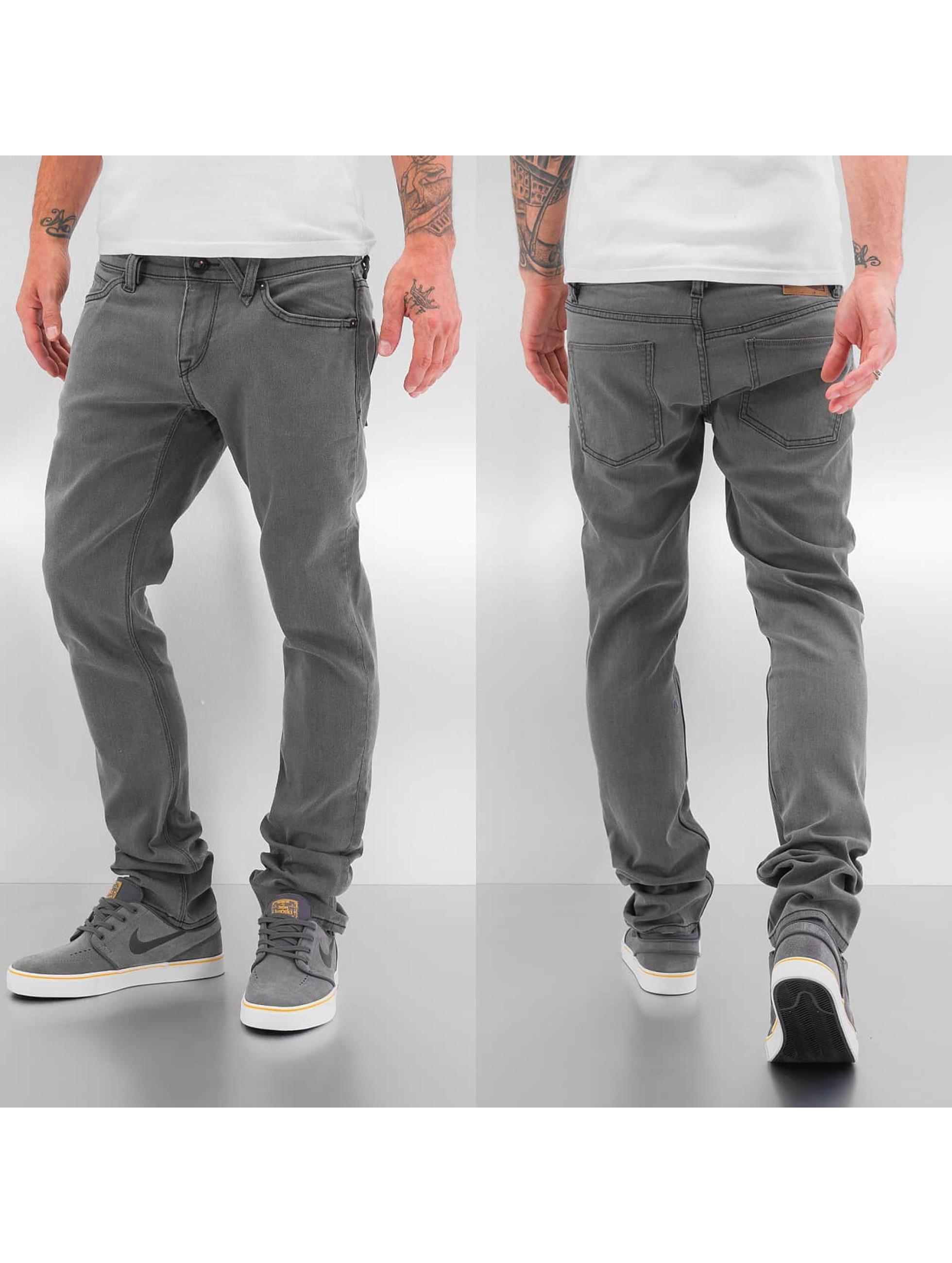 Volcom Männer Skinny Jeans 2x4 Denim in grau