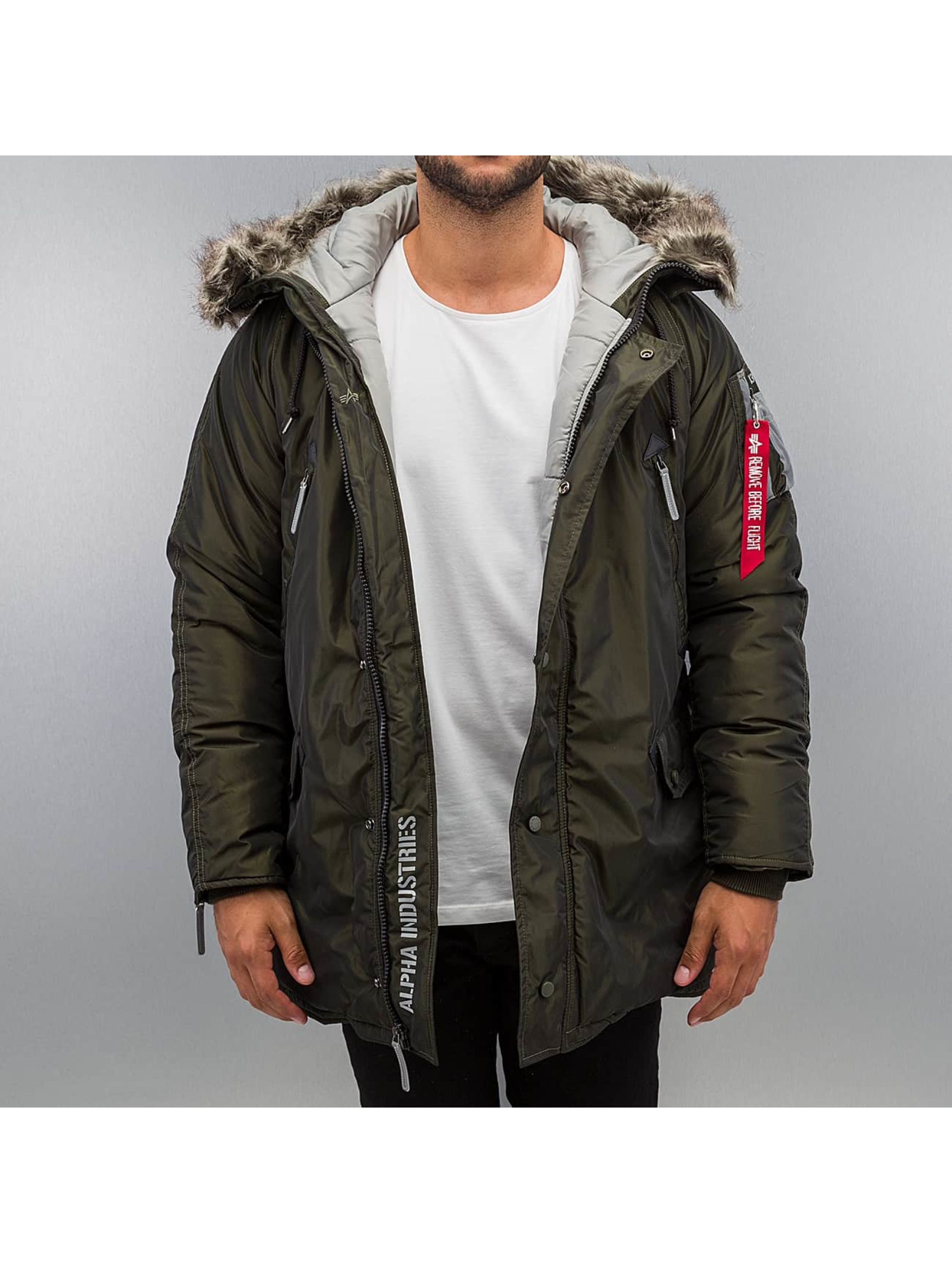 Alpha Industries Männer Winterjacke N3-B R in grün