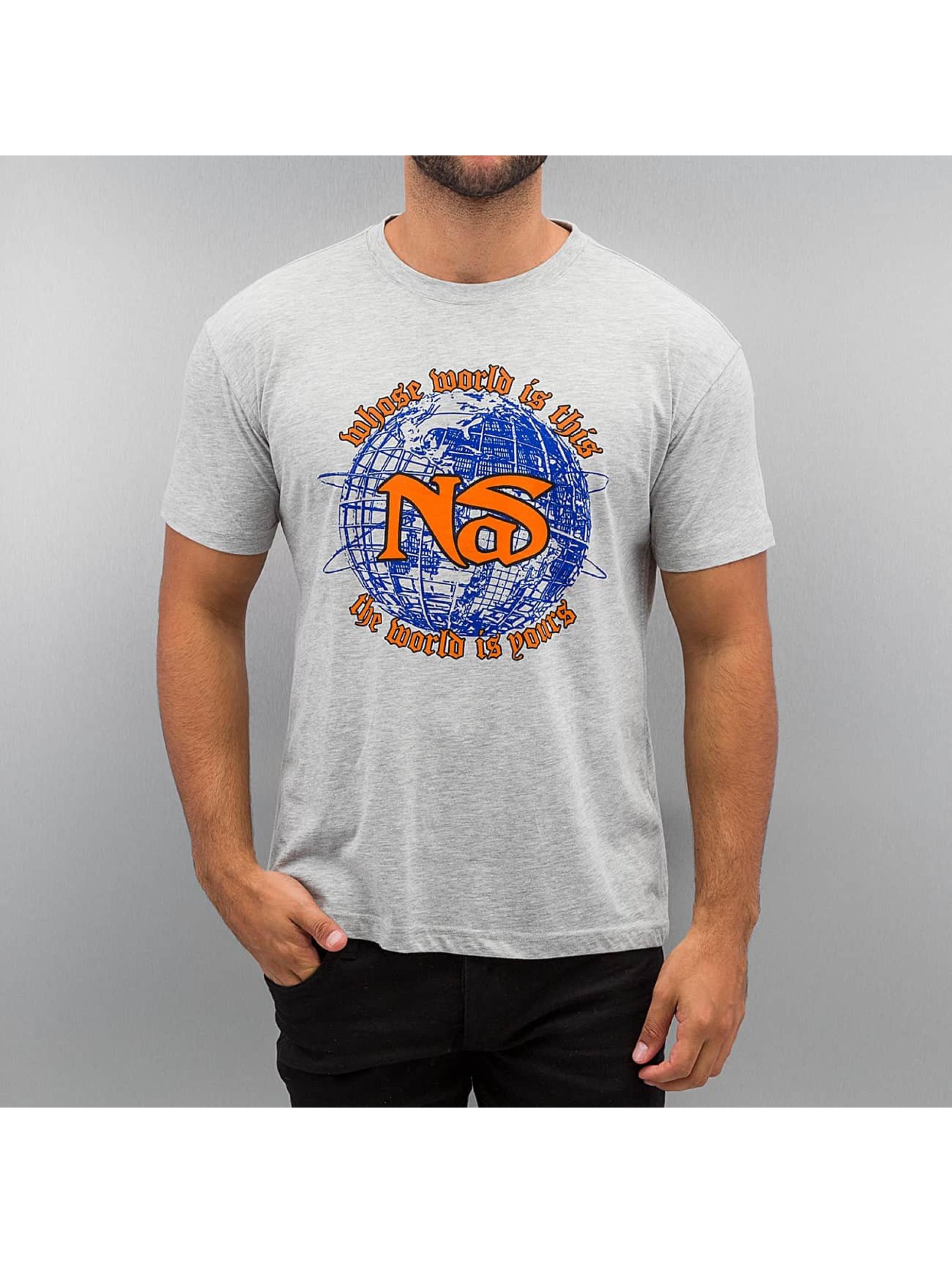 Amplified Männer T-Shirt Nas World in grau