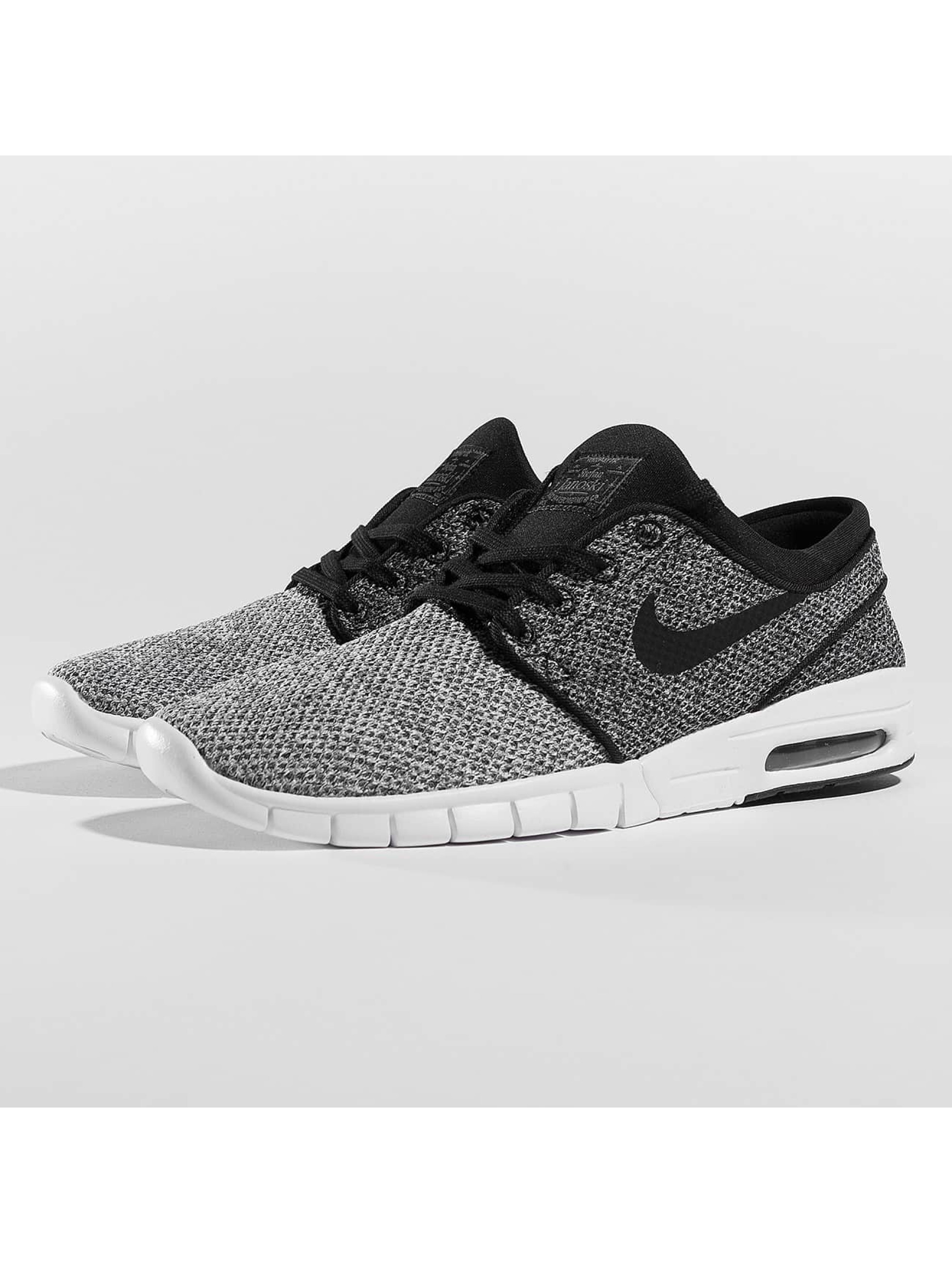 Nike SB Männer Sneaker Stefan Janoski Max in grau