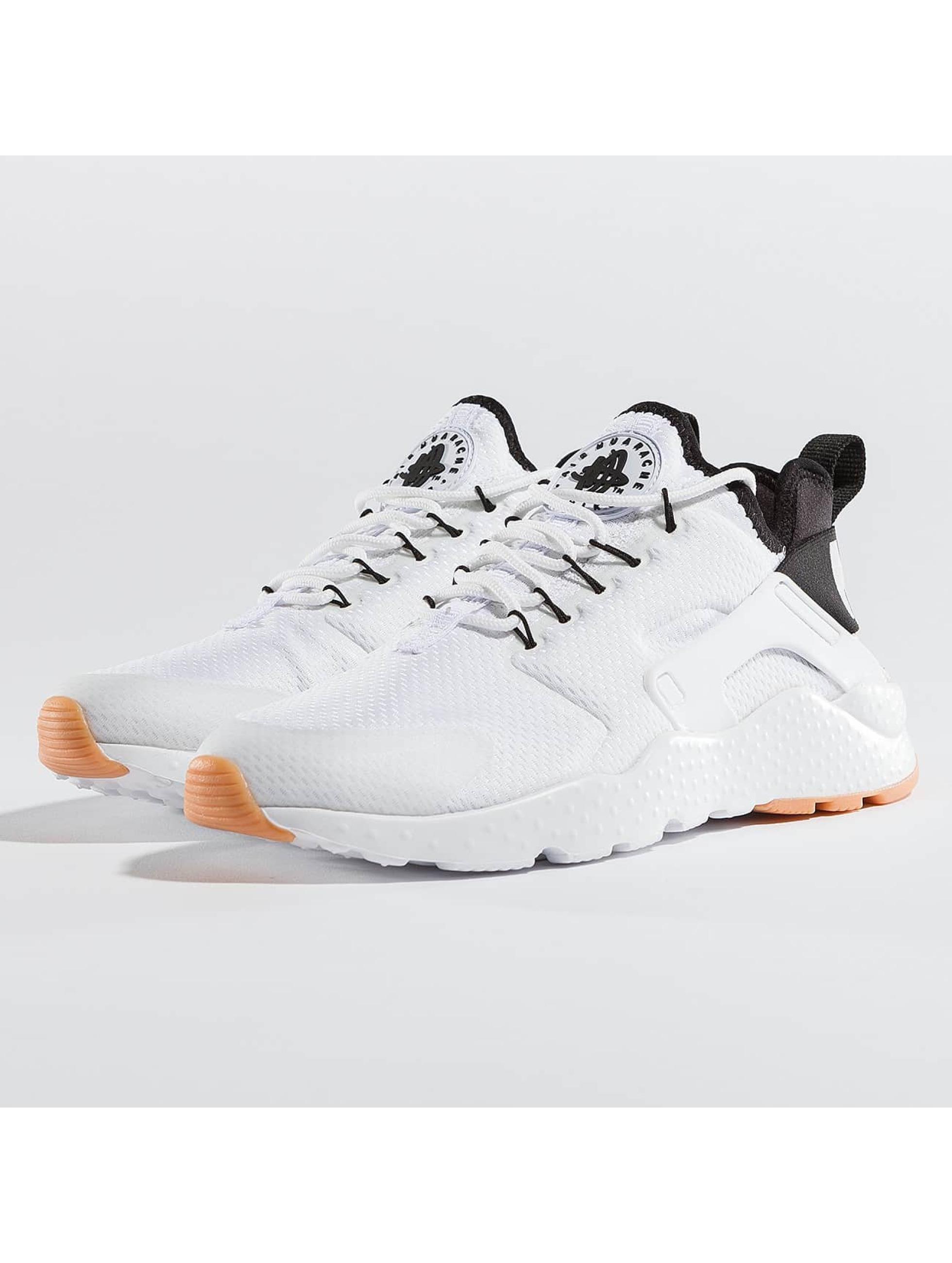 Nike Frauen Sneaker Huarache Run Ultra in weiß