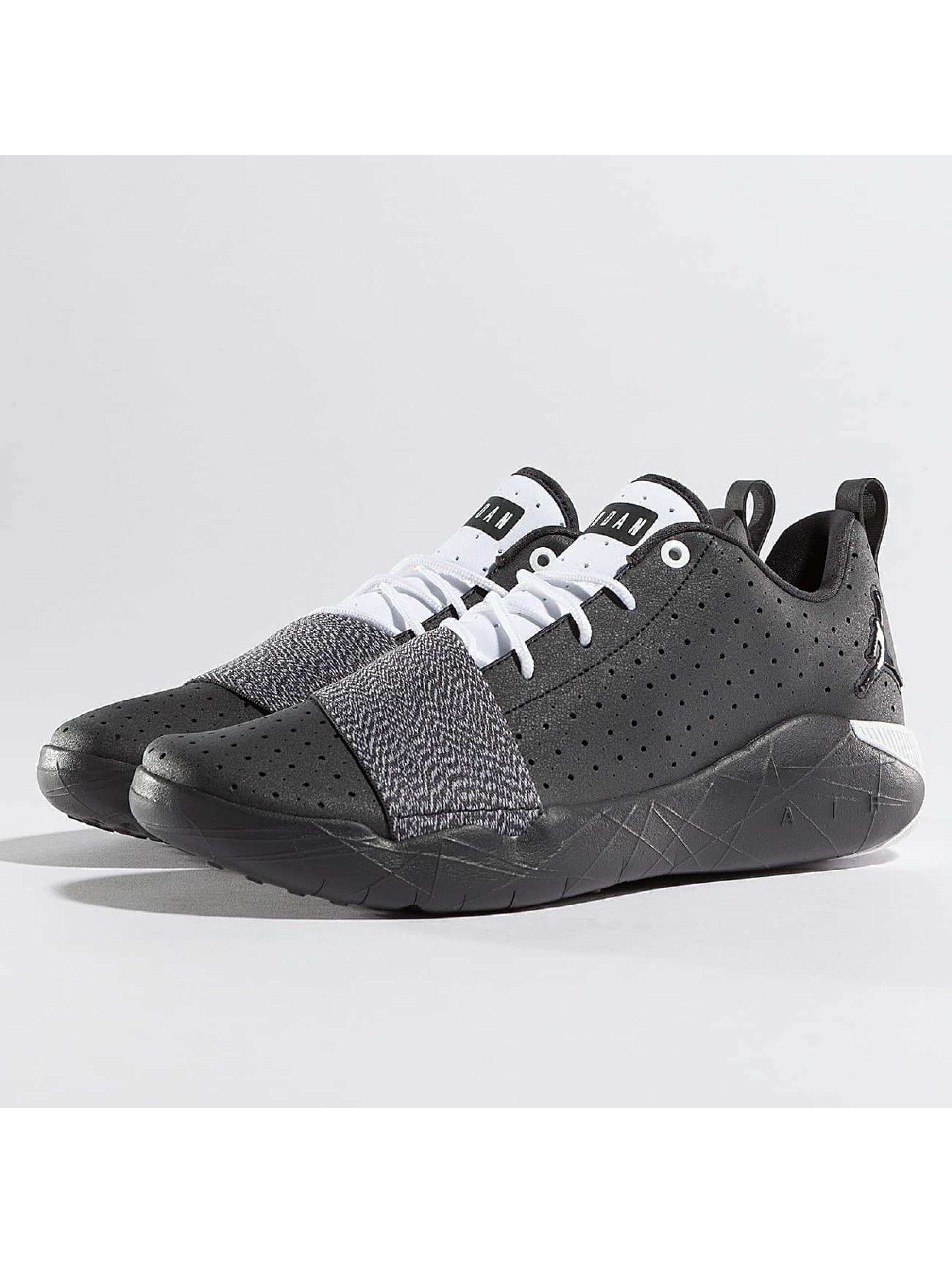 Jordan Männer Sneaker Breakout in grau