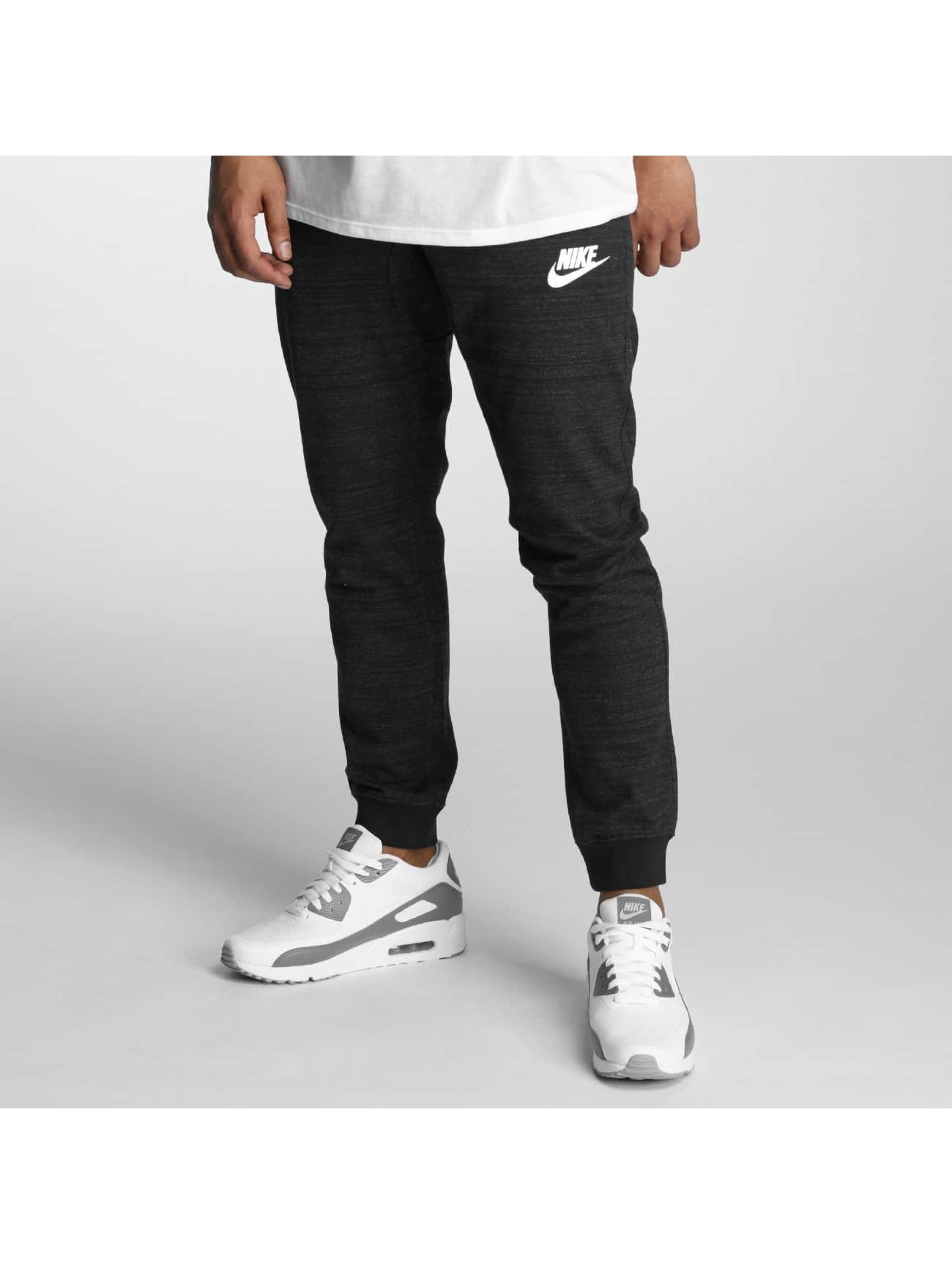 Nike Männer Jogginghose Sportswear Advance 15 Jogger in schwarz