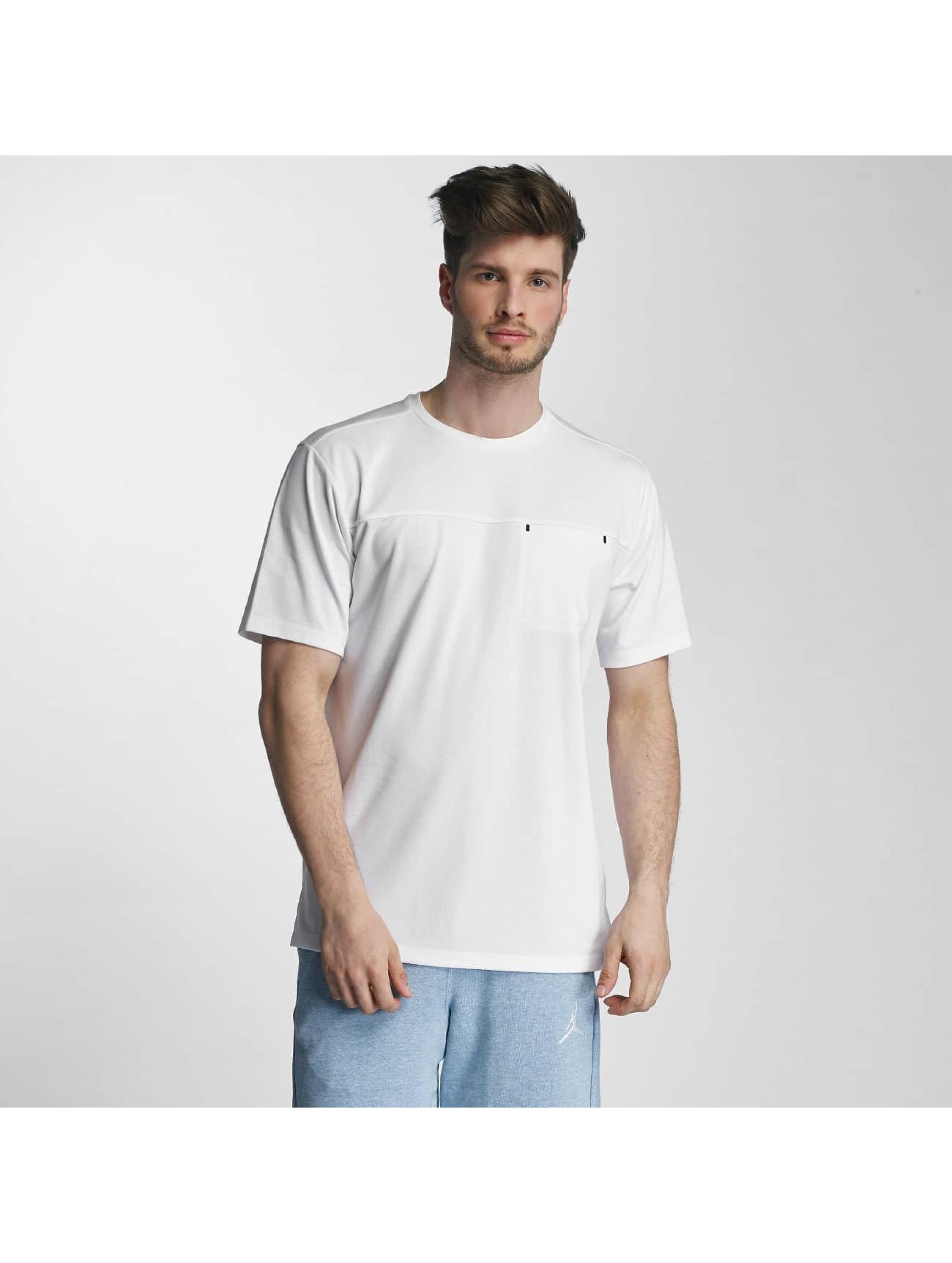 Jordan Männer T-Shirt 23 Lux Classic Pocket in weiß