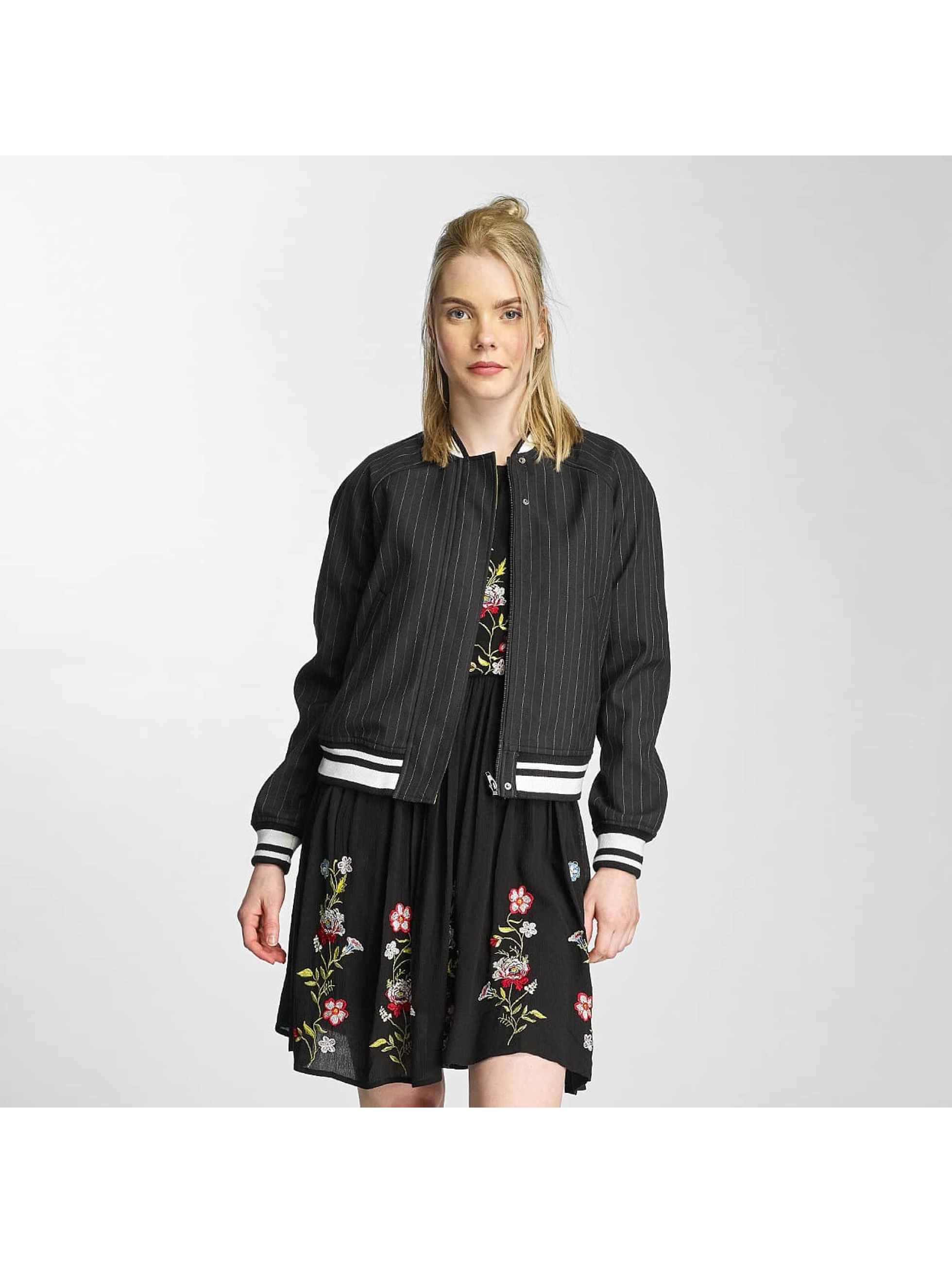 Vero Moda Frauen College Jacke vmCharly in schwarz
