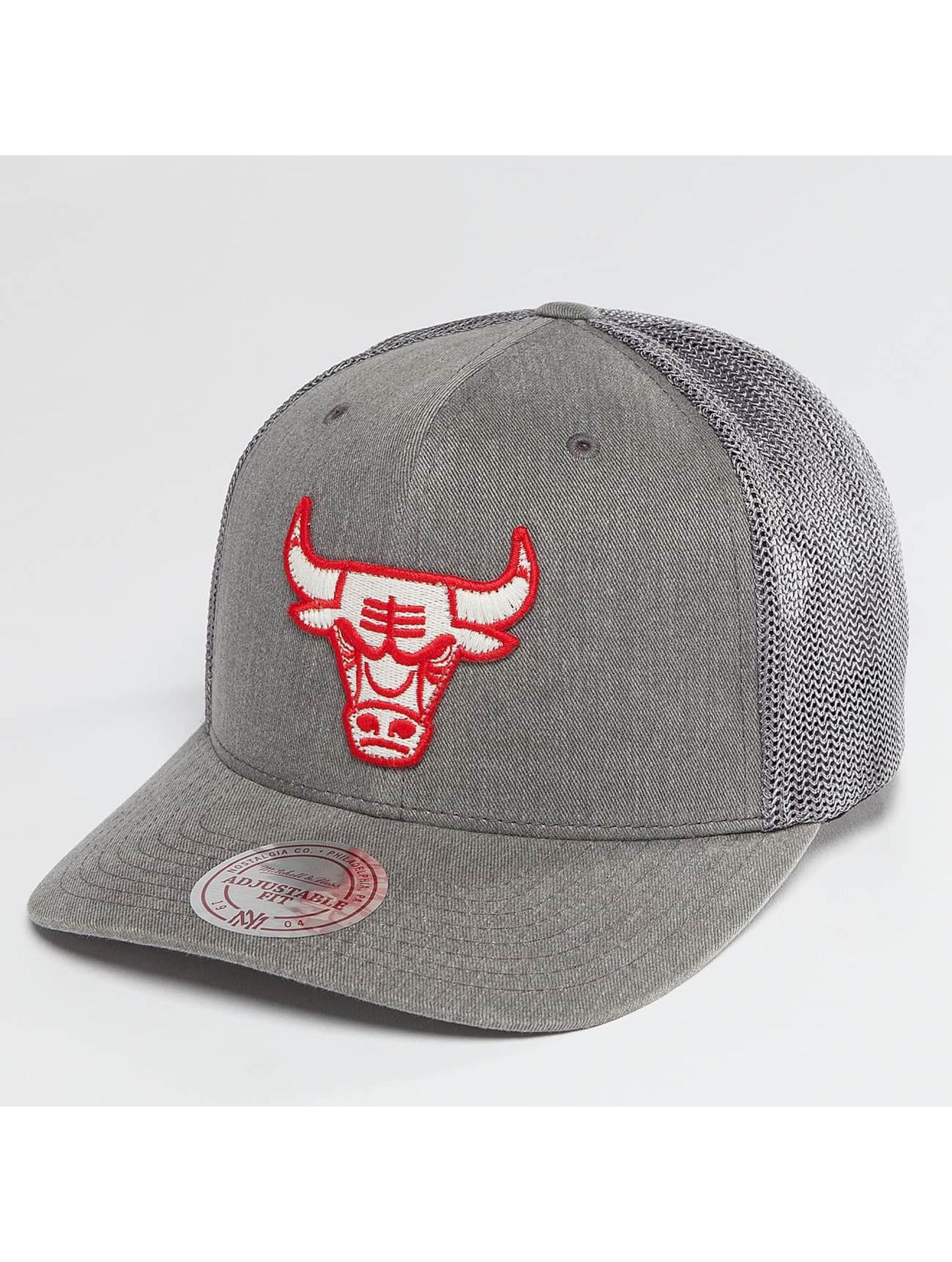 Kolkwitz Angebote Mitchell & Ness Männer,Frauen Trucker Cap BA Washout 110 Flexfit Chicago Bulls in grau