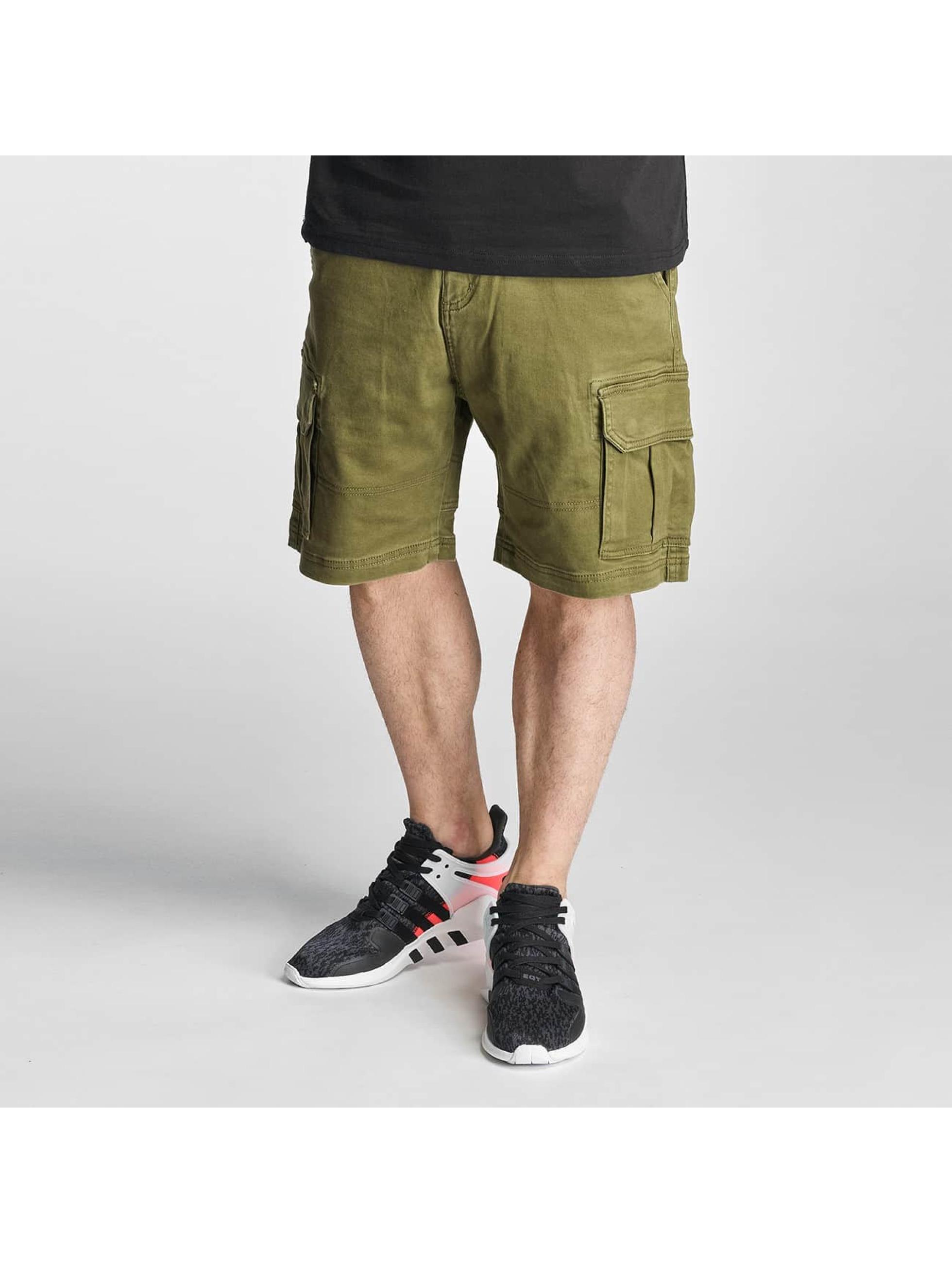 Grimey Wear Männer Shorts Cargo in grün - broschei