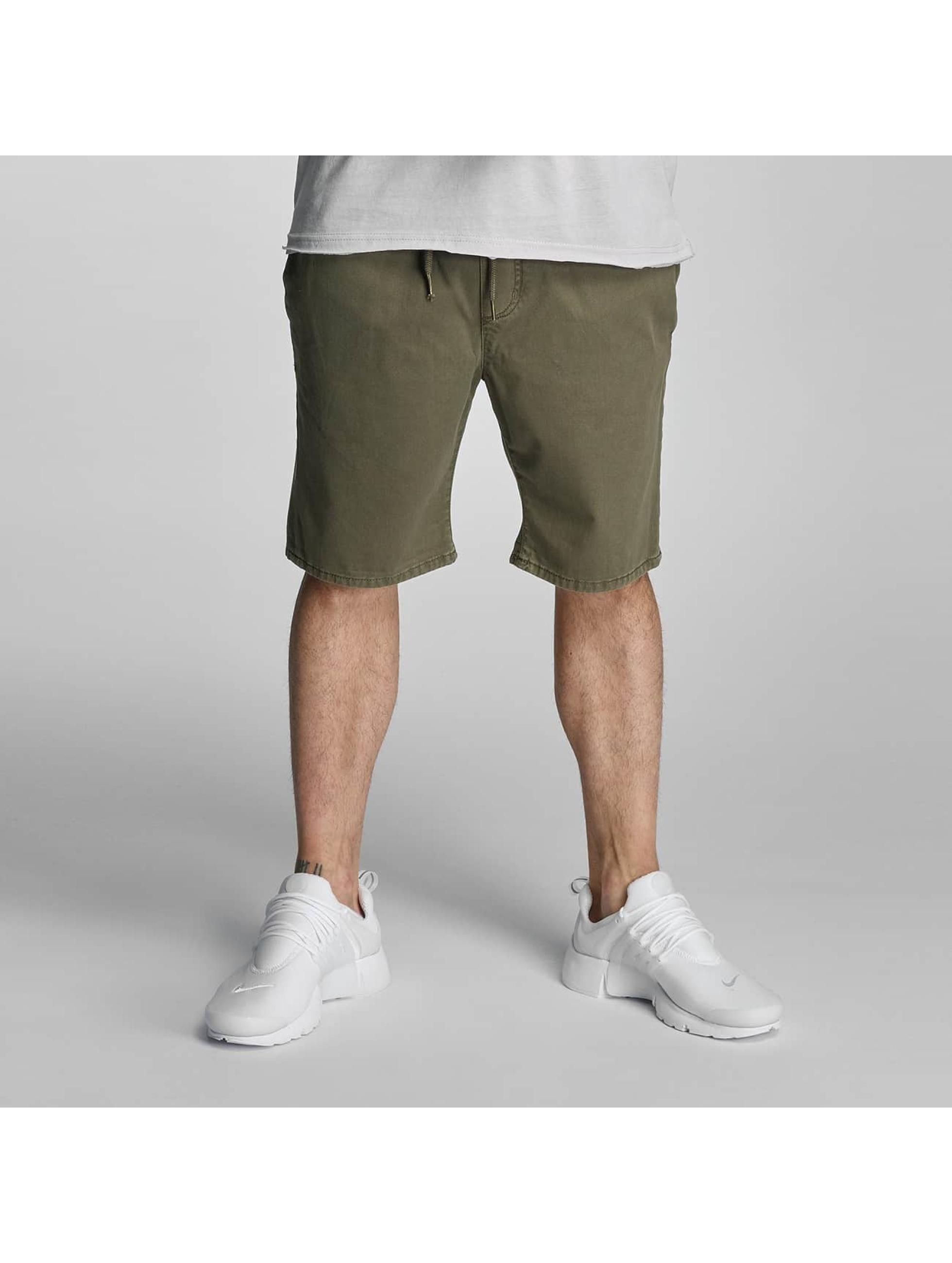 Urban Surface Männer Shorts Arne in olive