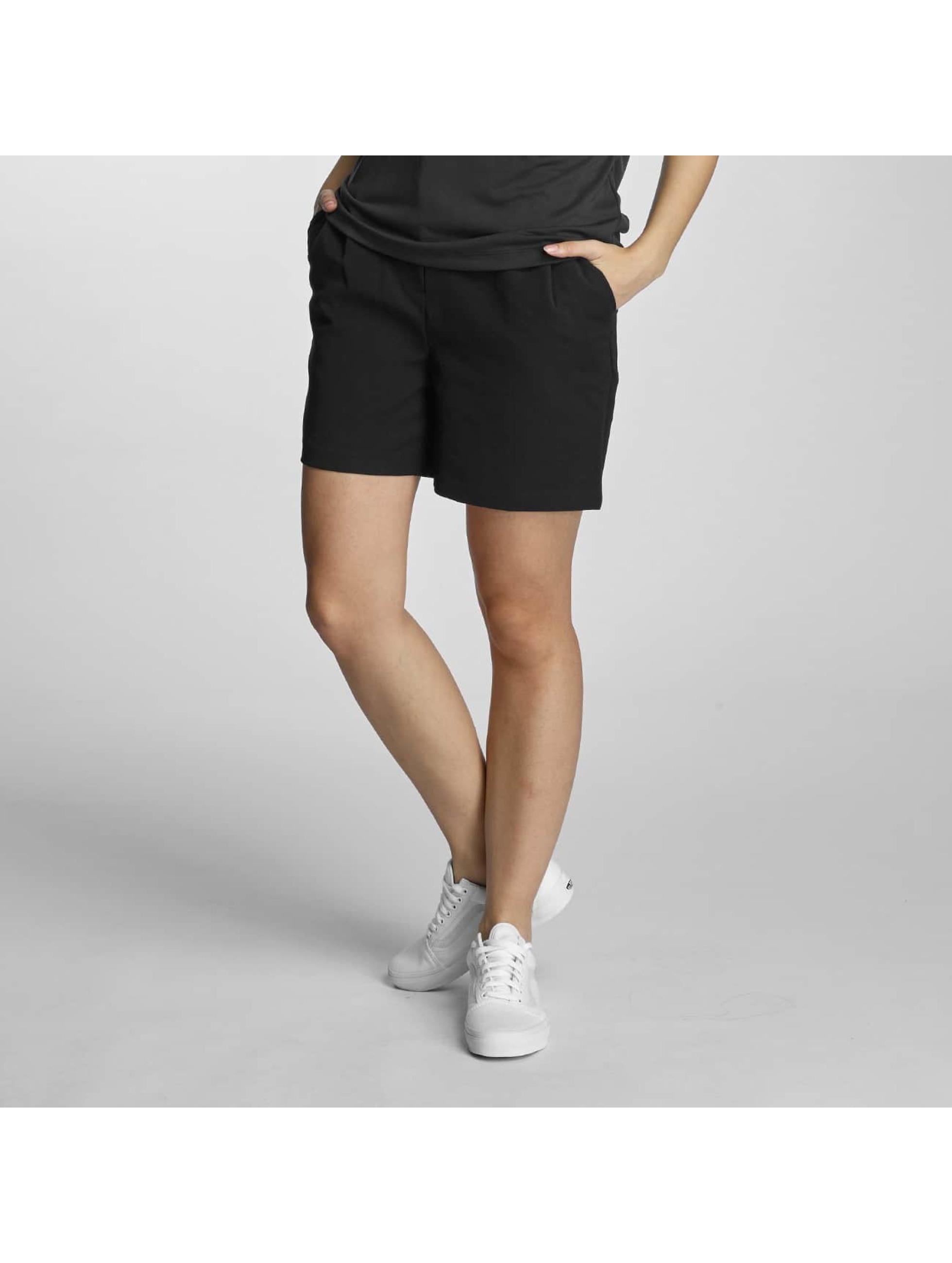 Pieces Frauen Shorts pcAria in schwarz