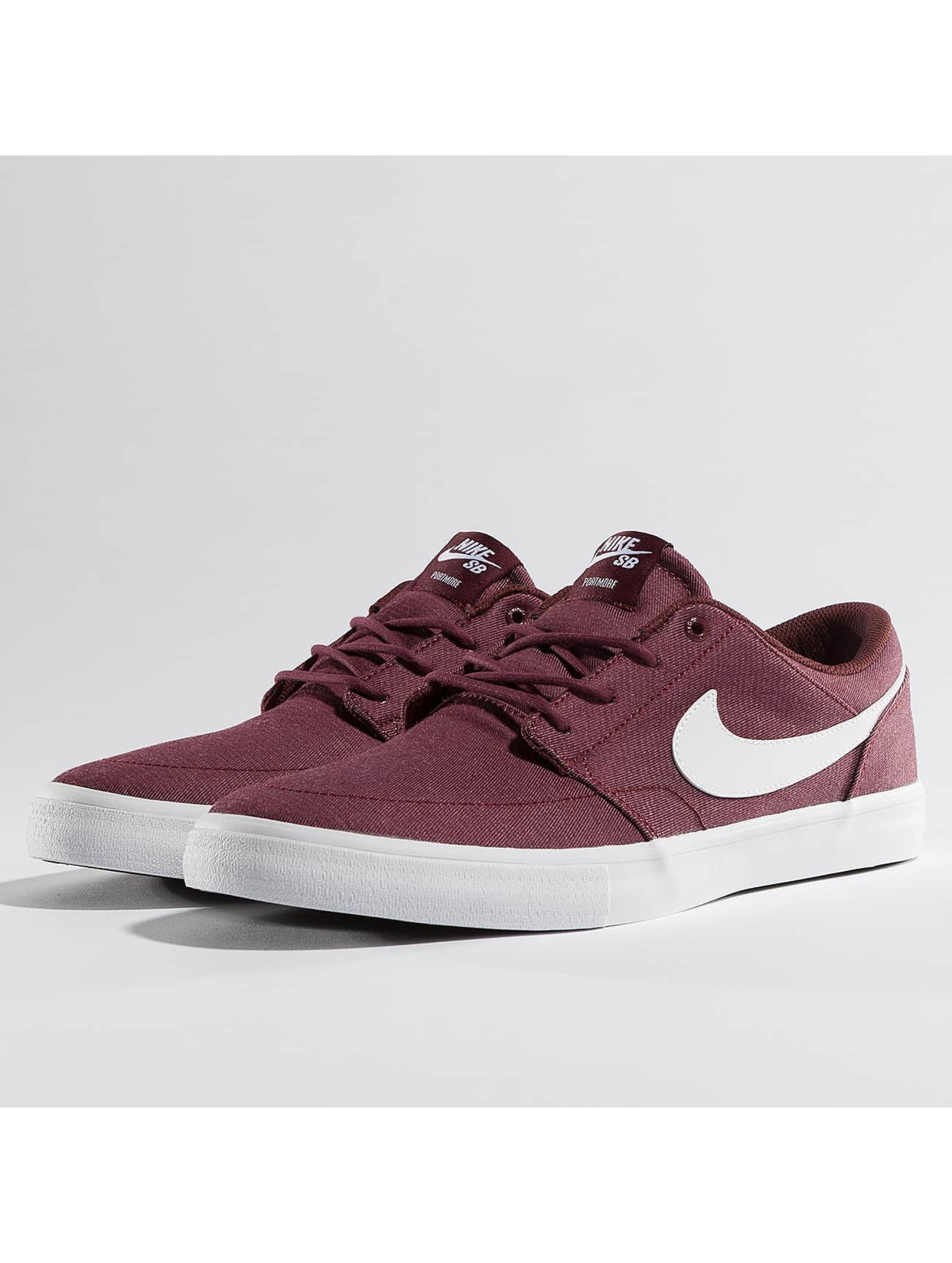 Nike SB Männer Sneaker SB Solarsoft Portmore II in rot